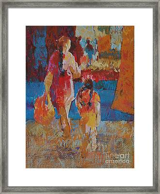 Mercado Mother And Daughter Framed Print