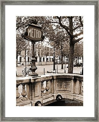 Metro Franklin Roosevelt - Paris - Vintage Sign And Streets Framed Print by Carlos Alkmin
