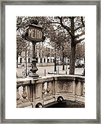 Metro Franklin Roosevelt - Paris - Vintage Sign And Streets Framed Print