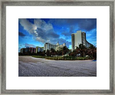 Miami - South Beach 004 Framed Print by Lance Vaughn