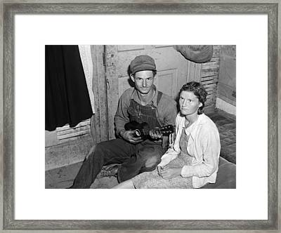 Migrant Couple, 1940 Framed Print