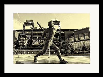 Mike Schmidt At Bat Framed Prints