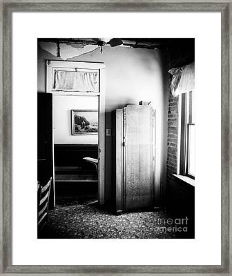 Mineola Beckham Hotel Room In Bw Framed Print by Sonja Quintero