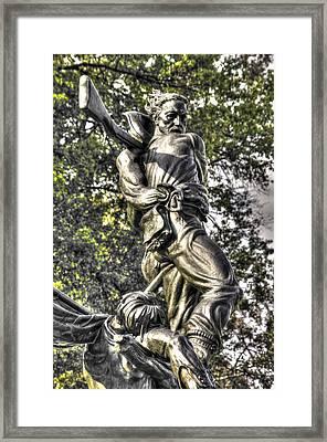 Mississippi At Gettysburg - Defending A Fallen Comrade Framed Print by Michael Mazaika