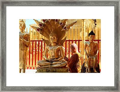 Monk Ceremony - Wat Phrathat Doi Suthep - Chiang Mai Thailand - 01137 Framed Print