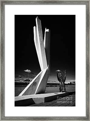 monumento al inmigrante yugoeslavo yugoslavian immigration monument Punta Arenas Chile Framed Print by Joe Fox