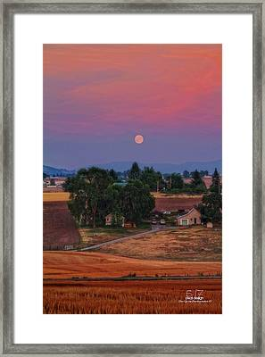 Moonrise At Sunset Framed Print by Dan Quam