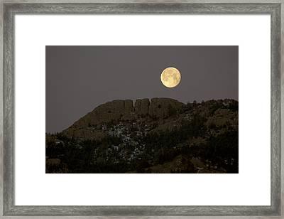 Moonset Over Horsetooth Framed Print by Rich Ernst