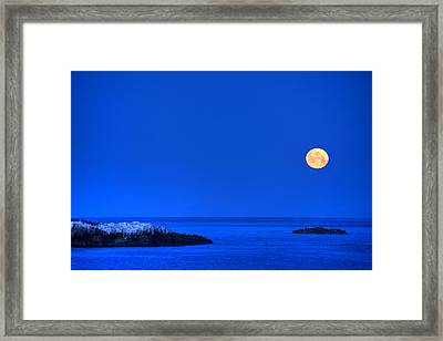 Moonset Over Pacific Ocean Framed Print by Cliff Wassmann