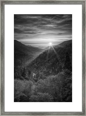 Morton Overlook Framed Print by Andrew Soundarajan