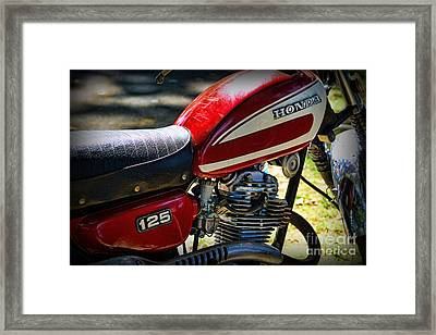 Motorcycle - 1974 Honda Cl 125 Scrambler Framed Print by Paul Ward