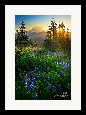 Mountain View Framed Prints