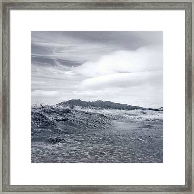 Mountain Top Framed Print by Les Cunliffe