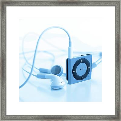 Mp3 Player And Earphones Framed Print by Science Photo Library