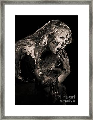 Mudder Framed Print by Richard Mason