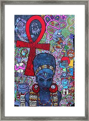 Mujer Dinamica Framed Print