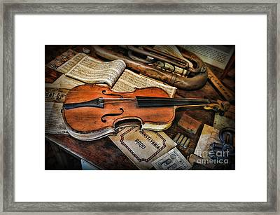 Music - The Violin Framed Print by Paul Ward