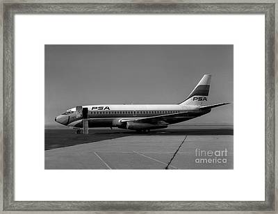 N462gb Boeing 737 At Long Beach California Framed Print by Wernher Krutein