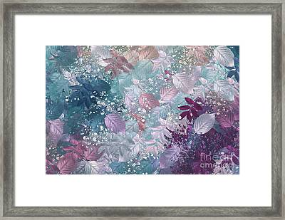 Naturaleaves - S1002b Framed Print