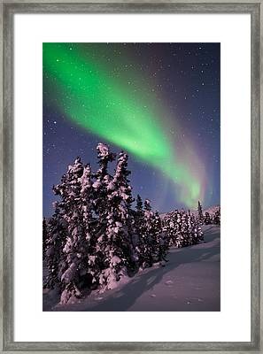 Nature's Canvas In The Northern Sky Framed Print by Mike Berenson