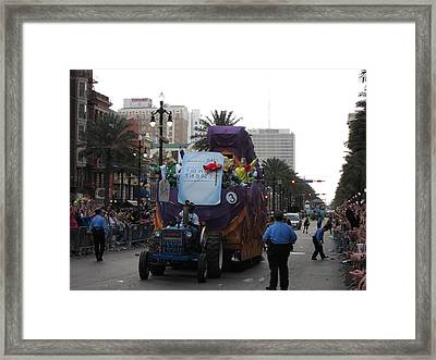 New Orleans - Mardi Gras Parades - 121226 Framed Print by DC Photographer