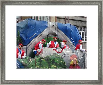 New Orleans - Mardi Gras Parades - 121294 Framed Print by DC Photographer