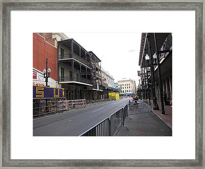 New Orleans - Seen On The Streets - 121237 Framed Print by DC Photographer