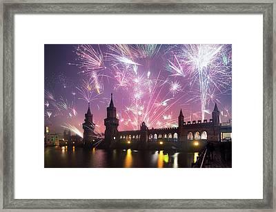 New Years Eve At Oberbaum Bridge Framed Print by Spreephoto.de