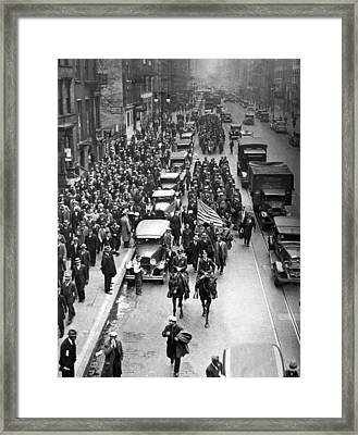 New York Bonus Army Marchers Framed Print by Underwood Archives