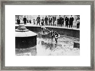 New York Fountain, 1908 Framed Print by Granger