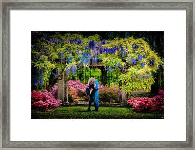 Framed Print featuring the photograph New York Lovers In Springtime by Chris Lord