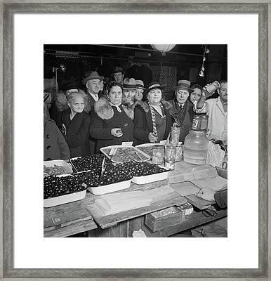 New York Market, 1942 Framed Print