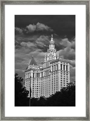 New York Municipal Building - Black And White Framed Print