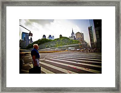 New York - Waiting... Framed Print by Amador Esquiu Marques