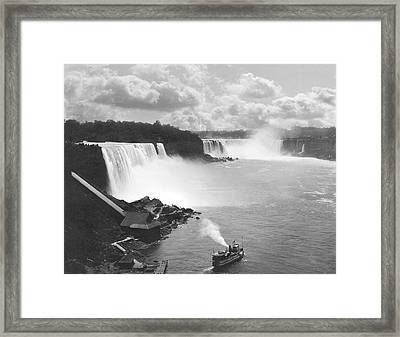 Niagara Falls Maid Of The Mist Framed Print by Underwood Archives
