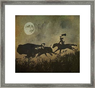 Framed Print featuring the photograph Night Hunter by Roy  McPeak
