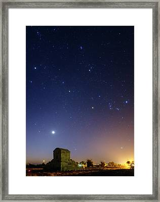 Night Sky Over Tomb Of Cyrus The Great Framed Print by Babak Tafreshi