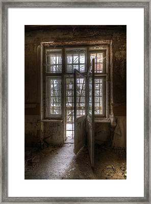 No Way Out Framed Print by Nathan Wright