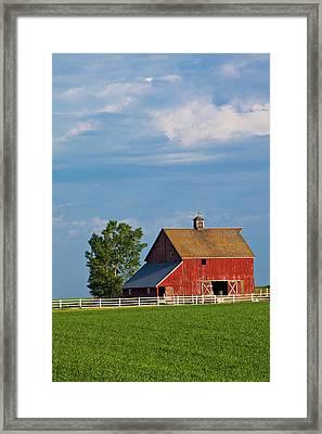 North America Usa Washington Red Barn Framed Print by Terry Eggers