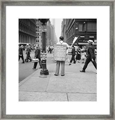 Nyc Corner Vendor Framed Print