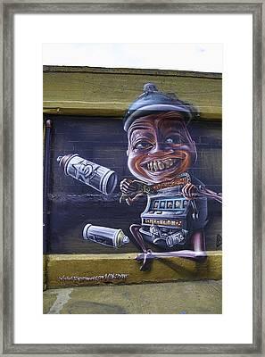 Nyc Graffitti Framed Print by E Osmanoglu
