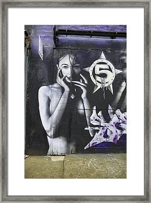 Nyc Grafitti Framed Print by E Osmanoglu