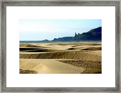 Nye Dunes Framed Print by Mamie Gunning