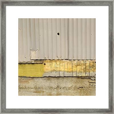 O Framed Print by Lee Harland