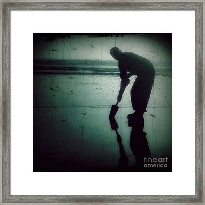 Ocean Shores Clam Dig Framed Print by Patricia Strand