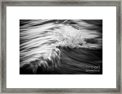 Ocean Wave IIi Framed Print