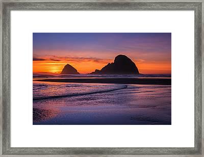 Oceanside Sunset Framed Print by Darren  White
