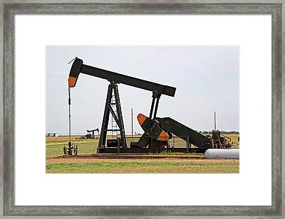 Oil Pump Framed Print by Jim Edds/science Photo Library