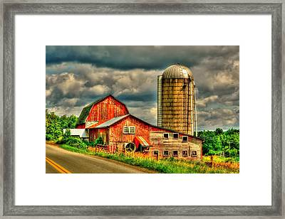 Framed Print featuring the photograph Old Barn by Ed Roberts
