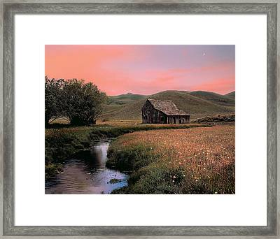 Old Barn In The Pioneer Mountains Framed Print